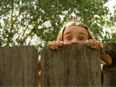 Schutting plaatsen: dag buren – hallo gezelligheid!